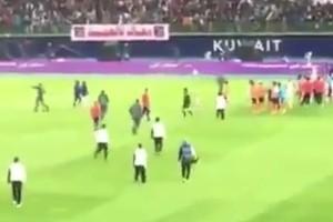 هوشة بين لاعبي الكويت وكاظمة بعد نهاية المباراة النهائية لكأس أمير الكويت