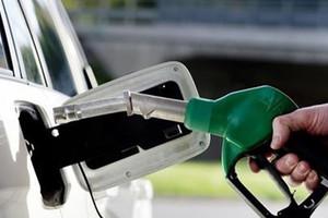 'رويترز': السعودية قد ترفع أسعار البنزين 30% من يوليو