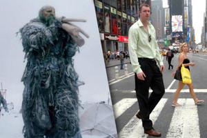 وفاة الممثل نيل فينغلتون أطول رجل في بريطانيا
