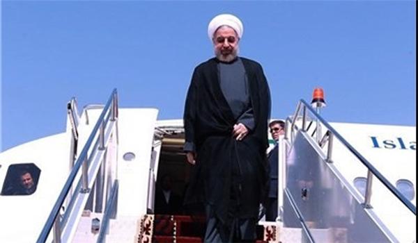 الرئيس الإيراني عند وصوله إسلام آباد