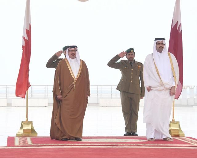 سمو ولي العهد لدى وصوله إلى الدوحة أمس