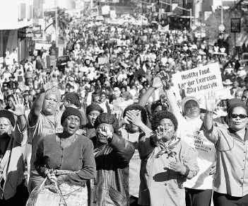 صورة ارشيفية لمظاهرات نساء من القارة الافريقية في يوم المراة العالمي