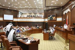 وزير النفط: انخفاض أسعار النفط تبعه انخفاض بإيراد حقل البحرين