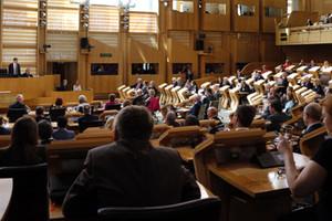 البرلمان الاسكتلندي يؤيد إجراء استفتاء جديد على الاستقلال
