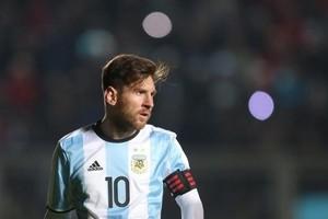 بالفيديو... ميسي على أعتاب رقم قياسي جديد مع الأرجنتين