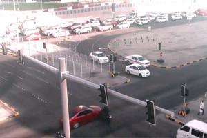 المرور: كاميرات الأنظمة الذكية عند التقاطعات ترصد تجاوز الإشارة الضوئية وسرعة الشارع عند العبور