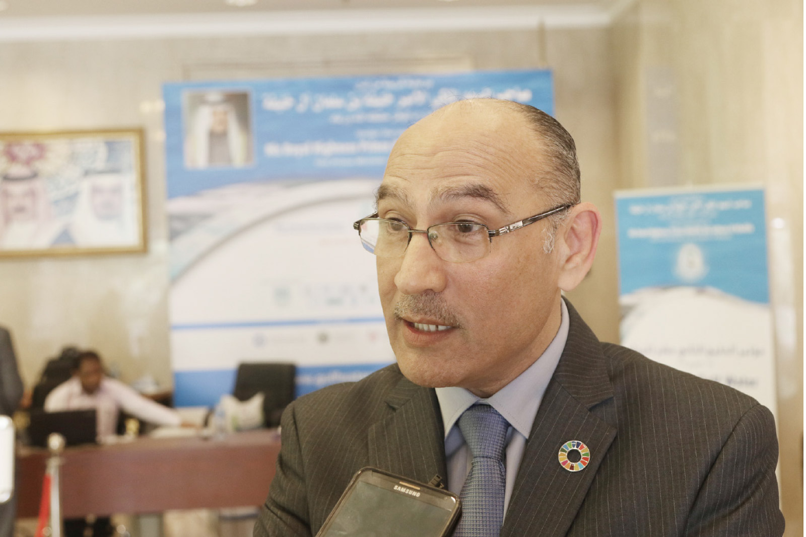 أبومغلي: ننظر لمياه الصرف الصحي كمصدر مهم للمياه