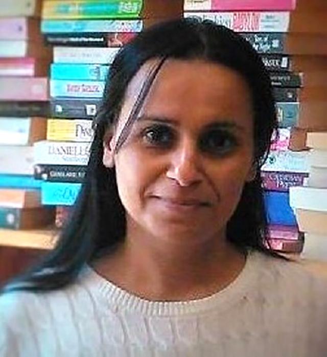 أنوار طاهر- باحثة ومترجمة من العراق