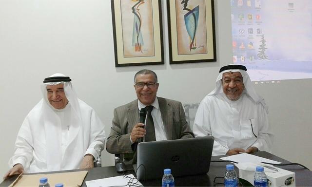 مدير الندوة الصميخ يتوسط محمد حسن وسرحان
