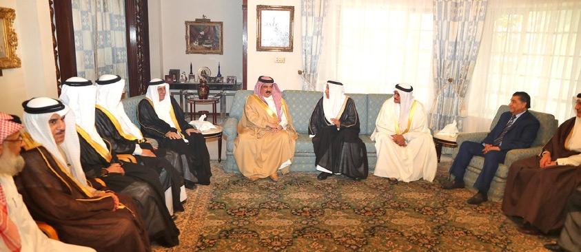 جلالة الملك ينوه بدور عائلة جلال وإسهاماتها في الأنشطة والمشاريع التجارية والاستثمارية بالبحرين