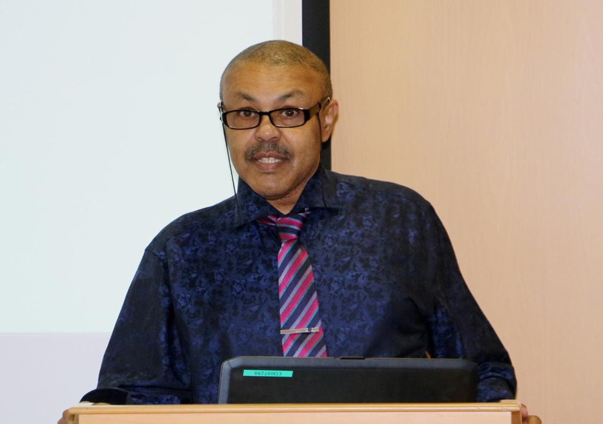 مدير عام مركز الأميرة الجوهرة الابراهيم للطب الجزيئي والأمراض الوراثية بجامعة الخليج العربي معز بخيت