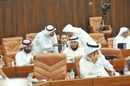 المجلس وافق على المقترح<br />بالأغلبية فيما رفضه آخرون