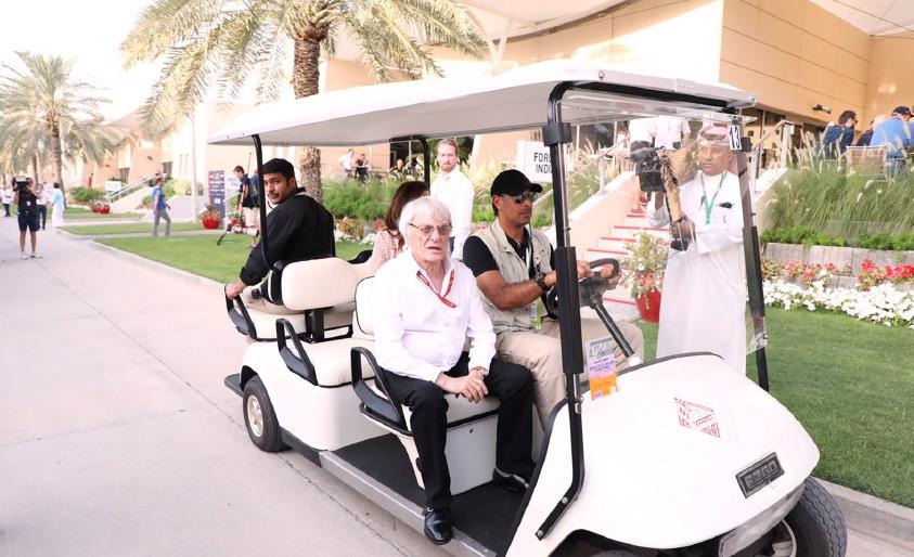 اكليستون يتجول في حلبة البحرين الدولية