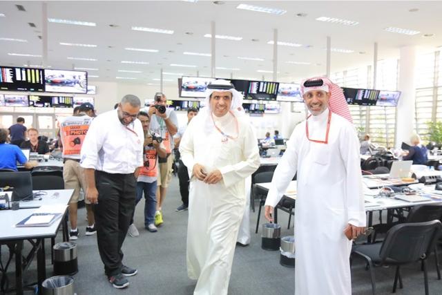 وزير الإعلام خلال زيارته مع سلمان بن عيسى