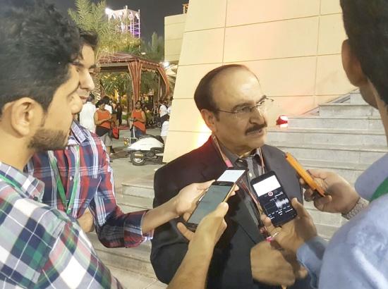 عبدالحسين ميرزا يتحدث للإعلاميين