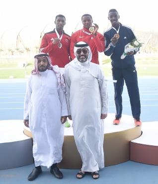 يعقوب سالم متوجاً بذهبية سباق 200 متر