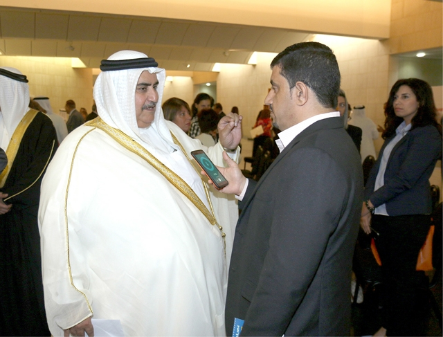 وزير الخارجية متحدثاً إلى «الوسط»