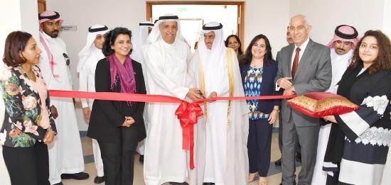 السفير عبدالله آل الشيخ أعرب عن أمله في أن تستفيد الطالبات السعوديات من الجامعة بشكل يصقل قدراتهن
