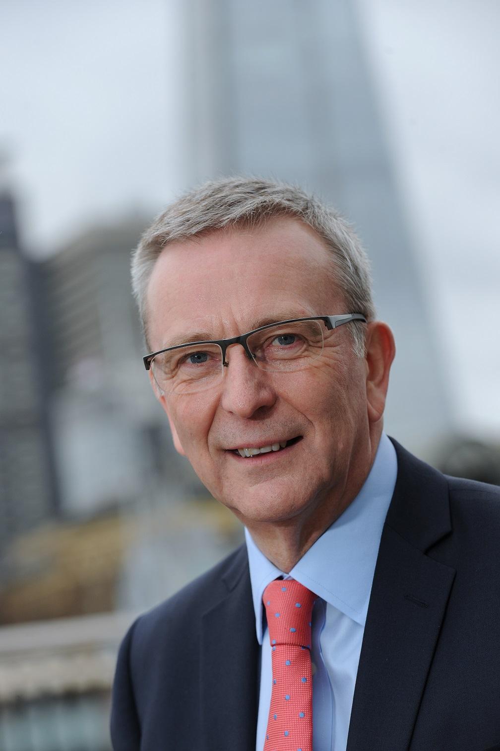 رئيس مجلس أمناء مؤسسة الصحة والسلامة المهنية، بيل غونيون