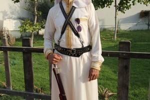 بالفيديو والصور... زفة بالخيول لمعرس بحريني بكرانة