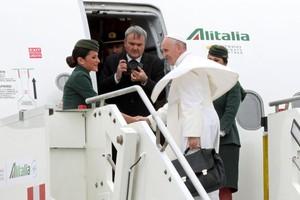 بالصور... البابا فرنسيس يتوجه إلى مصر في زيارة تركز على السلام