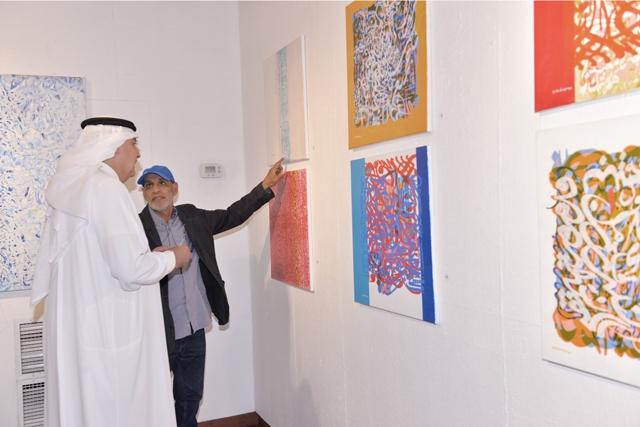 الفنان عباس يوسف معيِّة الشيخ راشد بن خليفة