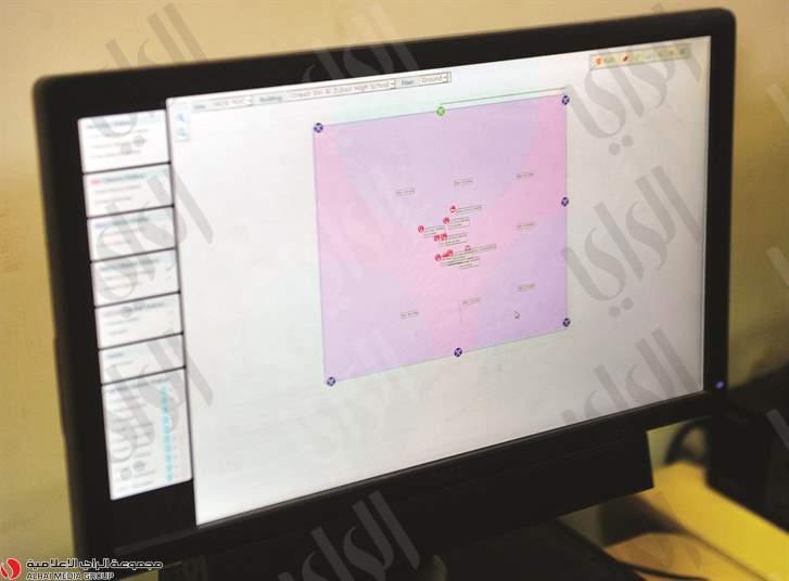 شاشة تعرض مصدر الذبذبات في قاعة الامتحانات (الراي الكويتية)