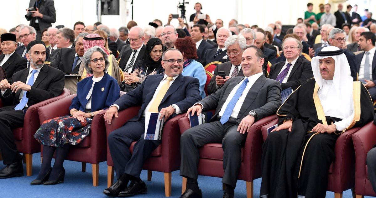 سمو ولي العهد لدى حضوره حفل افتتاح المبنى الجديد لمركز أكسفورد للدراسات الإسلامية بجامعة أكسفورد في بريطانيا