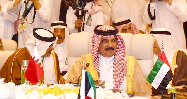 جلالة الملك لدى مشاركته في أعمال اللقاء التشاوري السابع عشر لقادة دول مجلس التعاون