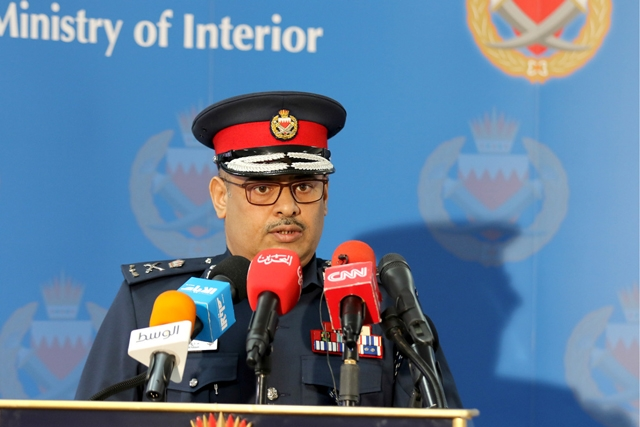 اللواء طارق الحسن متحدثاً في المؤتمر الصحافي أمس