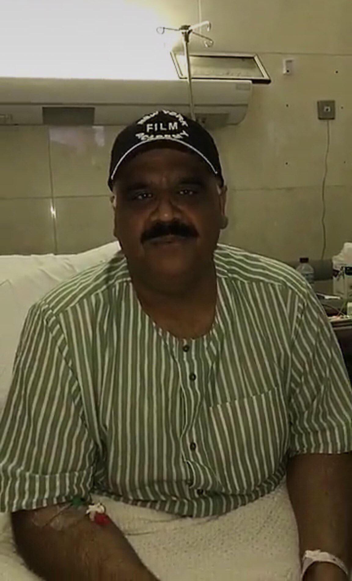 الفنان الكويتي داوود حسين في المستشفى بعد تعرضة للجلطة الدماغية
