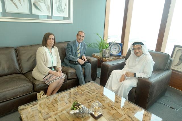 رئيس «الأعلى للصحة» مجتمعاً مع الرئيس التنفيذي لهيئة تنظيم المهن والخدمات الصحية