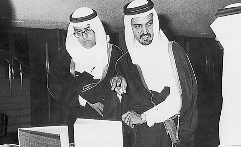 صورة قديمة لسعود الفيصل مع غازي القصيبي
