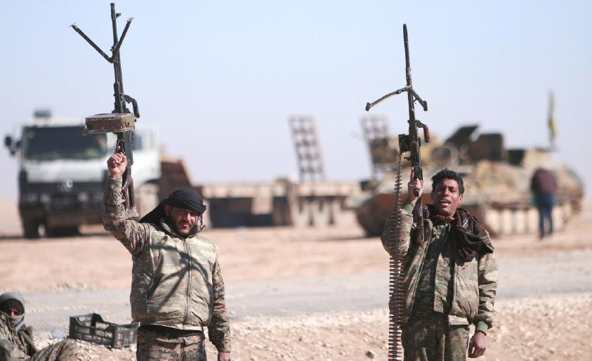 قوات سورية الديمقراطية تنتشر شمال مدينة الرقة - REUTERS